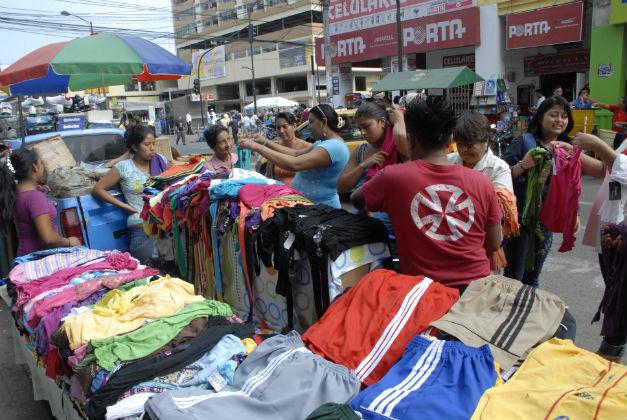 Comercio se tomó las calles de Portoviejo