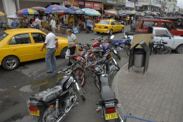 Caos vehicular se siente en el centro de la ciudad