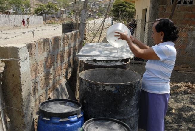Domingo no habrá agua ni luz en la capital manabita