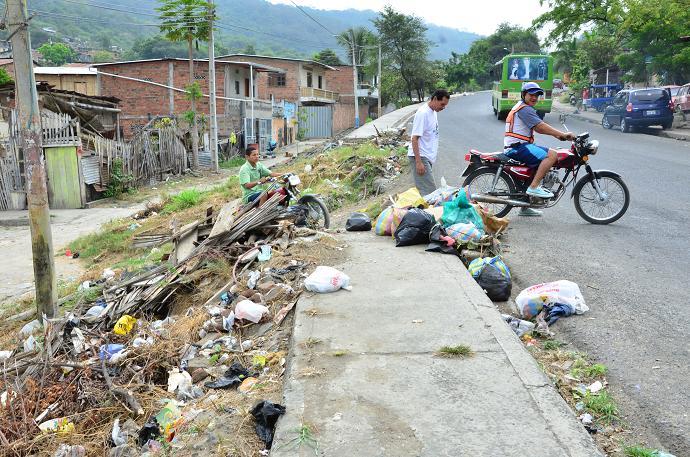 Avanza el deterioro en varias calles de Portoviejo
