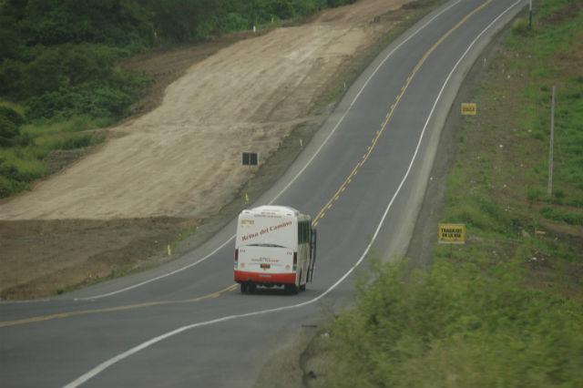 Consejo Provincial analiza cobro de peaje en vía Jipijapa