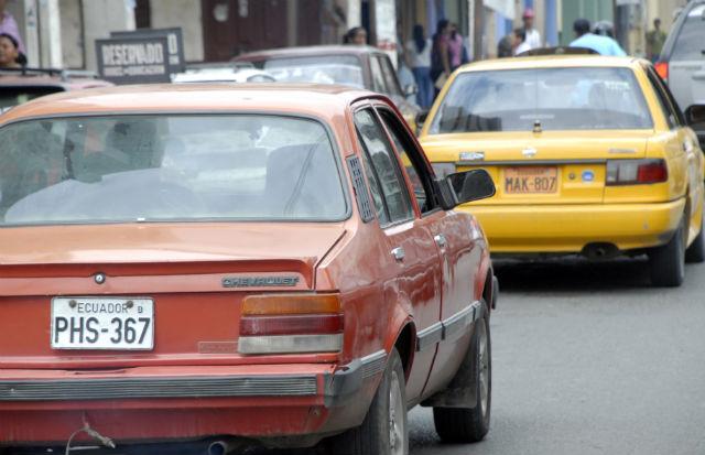 Se alarga la revisión vehicular en Portoviejo