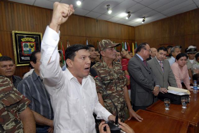 Asamblea popular deja manifiesto y a un funcionario sin su cargo