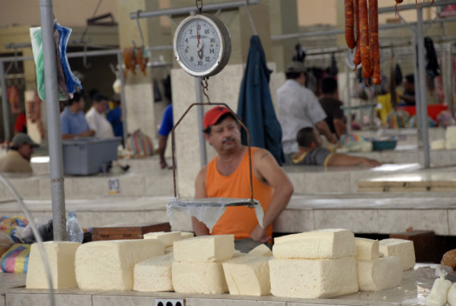 Mantequilla y queso desaparecen de los mercados y de mesas