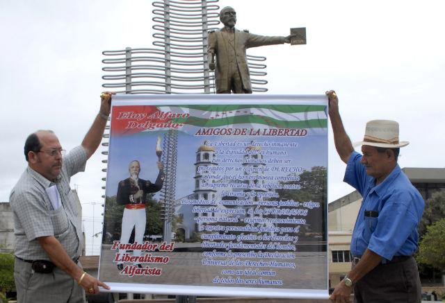 Pilay 'mañana retiran polémica estatua de Eloy Alfaro'