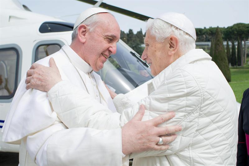 Francisco y Benedicto XVI mantienen una nueva conversación telefónica