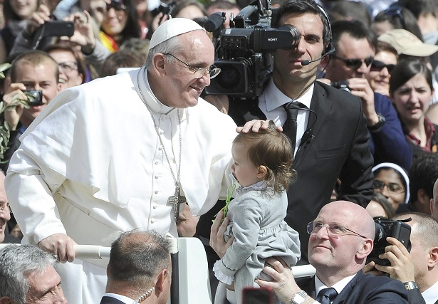 El papa nunca tuvo novia y 'de chico decía palabrotas'