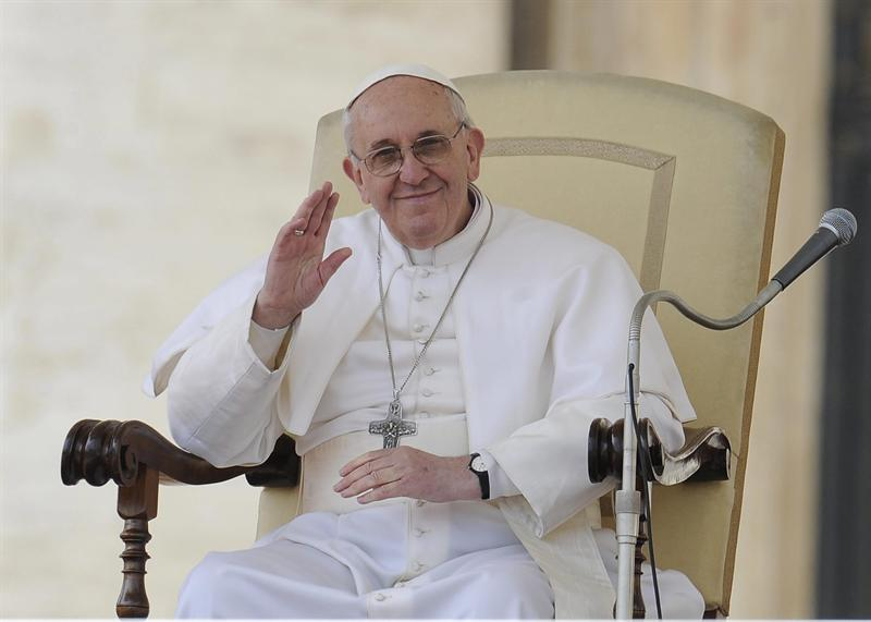 Bergoglio, el cura que sabía el nombre de las mascotas de sus feligreses