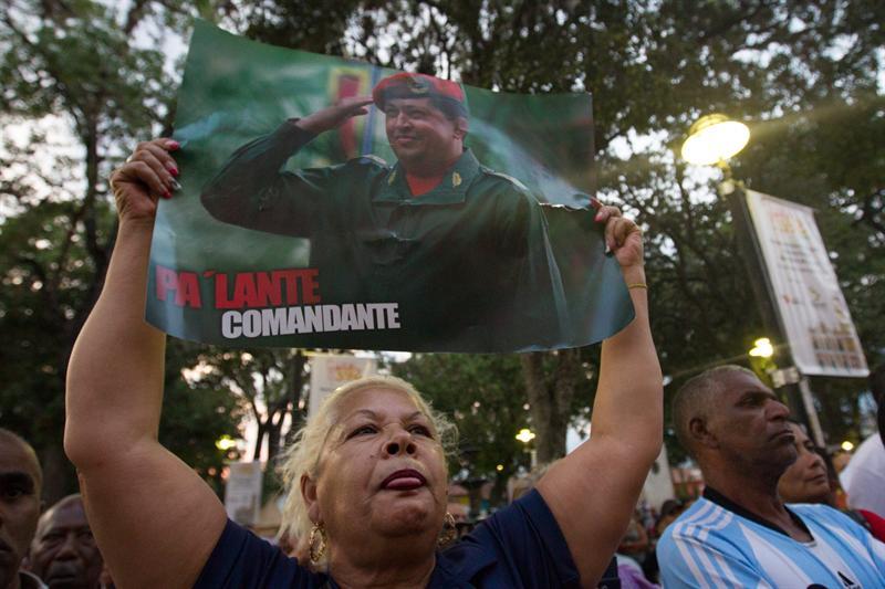 El culto a Chávez se cuela en festividades de Semana Santa