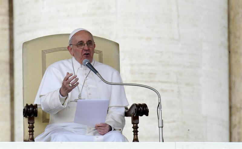 El papa destaca el papel de las mujeres para trasmitir la fe