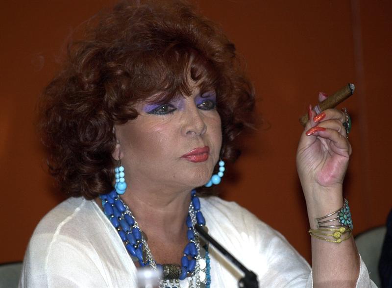 La actriz Sara Montiel sufrió una muerte súbita