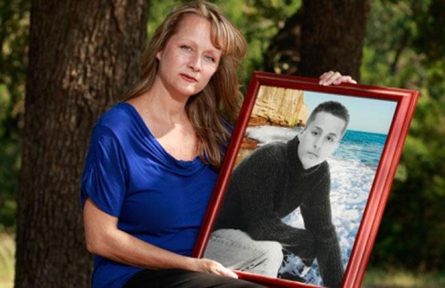 Busca mujer para que tenga a los bebés de su hijo muerto