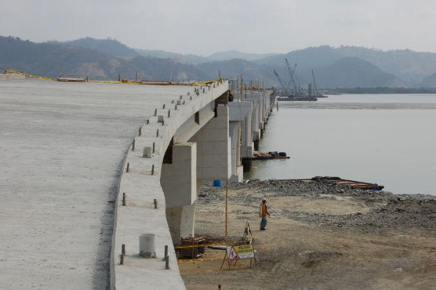 El gran puente debe estar listo en octubre 2010