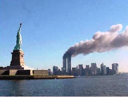 Desplegarán 3.000 banderas con nombres de víctimas del 11-S cerca a zona cero