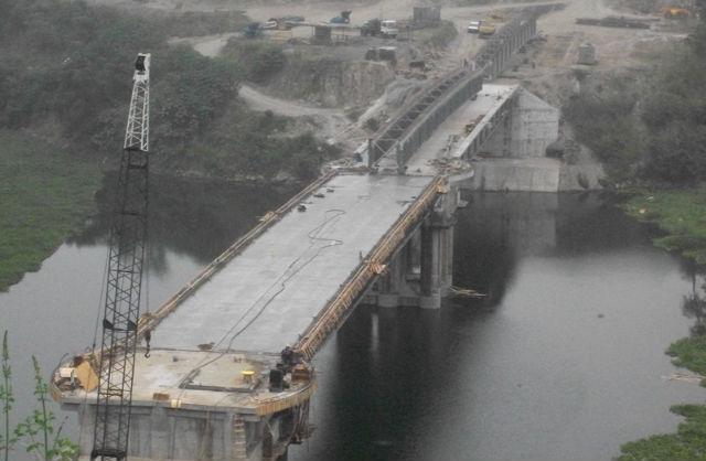 El Cuerpo de Ingenieros  justifica retraso en puente