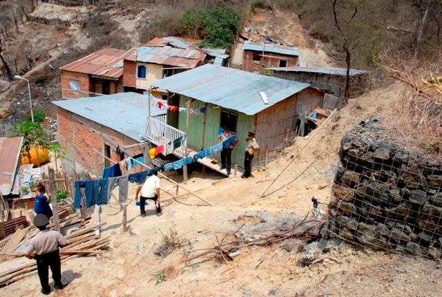 La agricultura y las construcciones ganan terreno en las colinas