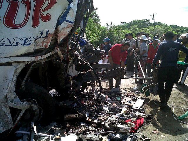 Comisión de Tránsito de Ecuador confirma 14 muertos