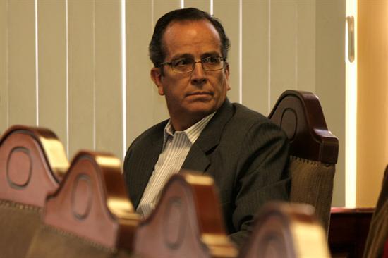 Advierten que consulta de Correa viola la Constitución