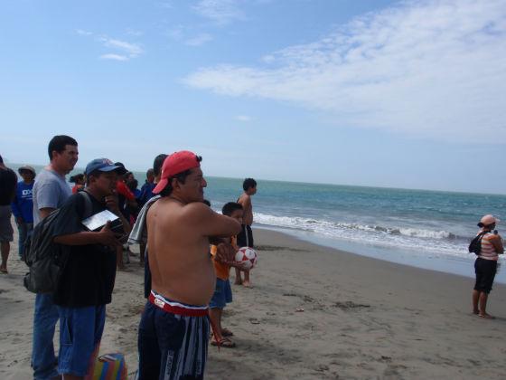 Prohiben bañarse en la playa por aguaje