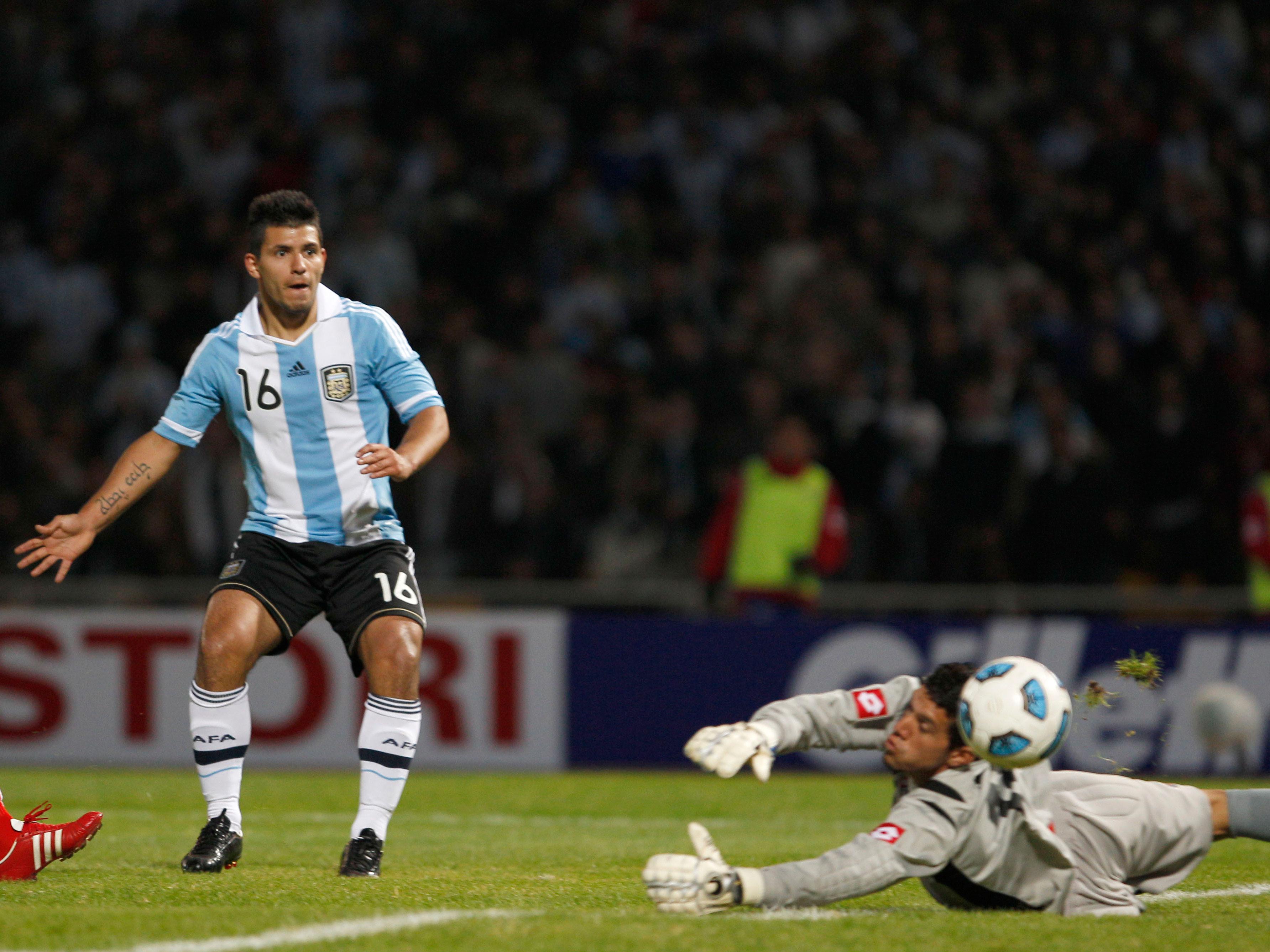 Agüero es el líder de la tabla de goleadores con tres tantos