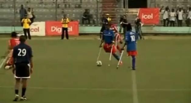 Equipo de fútbol de amputados trae esperanza a Haití