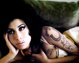 La familia de Amy Winehouse no logra superar su muerte