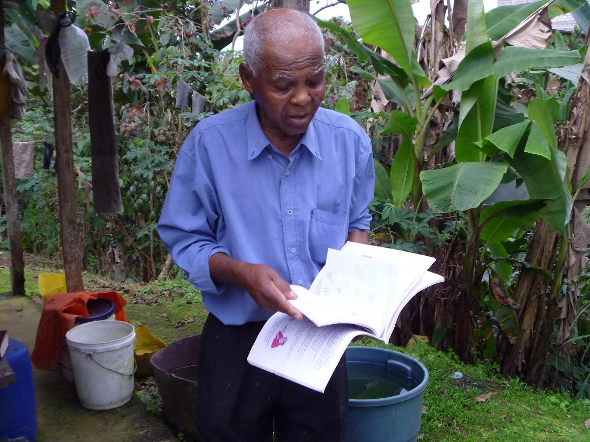 110 años tiene y desea estudiar en la universidad