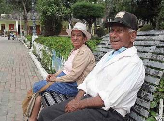 Tres de cada diez mayores de 60 años se sienten desamparados