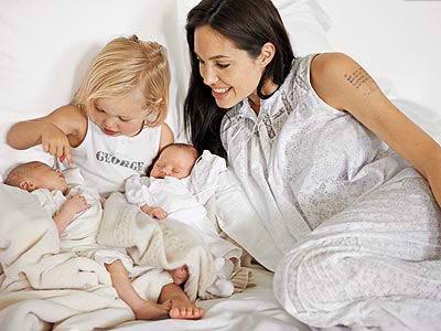 Angelina Jolie estaría embarazada de gemelos otra vez