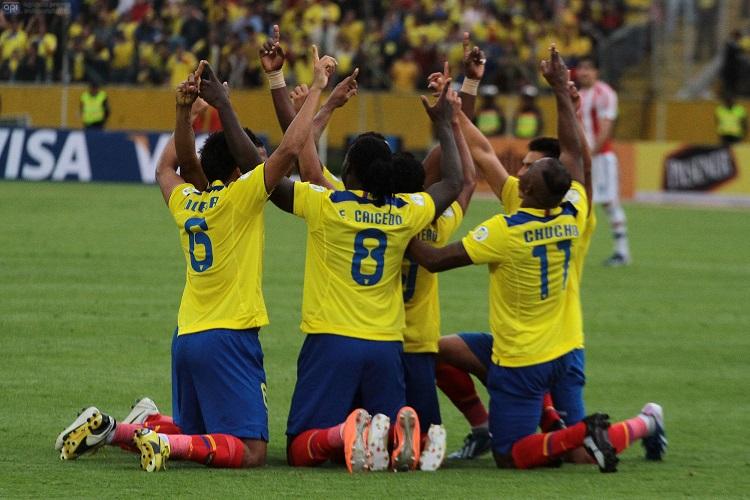Ecuador gana 4-1 a Paraguay y hace soñar a la hinchada