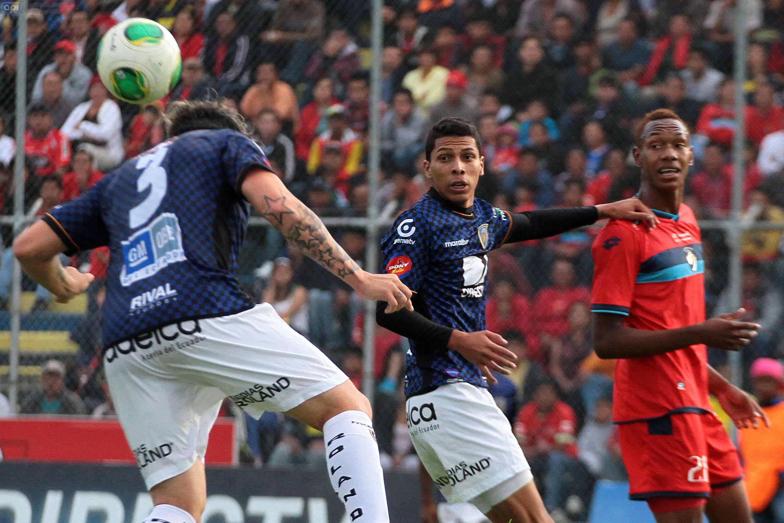 Independiente del Valle ganó 2 - 1 a El Nacional