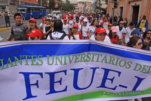 Universitarios marcharon nuevamente en Quito