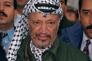 Viuda de Arafat pone denuncia por el asesinato de su marido