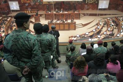 Aprueban beneficios a excombatientes de conflictos armados
