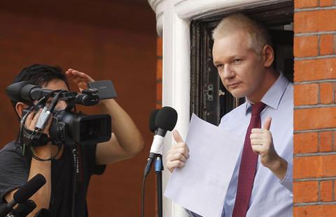Assange estima salir de Embajada de Ecuador en un año