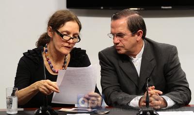 Suecia rechaza interrogar a Assange en embajada ecuatoriana