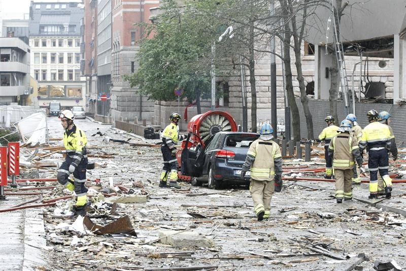 Dos atentados sucesivos con víctimas mortales sacuden Oslo