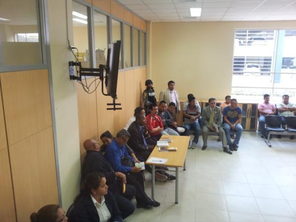 A la espera de que inicie audiencia contra César Fernández