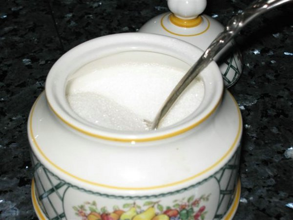Escasez de azúcar preocupa a pequeños comerciantes