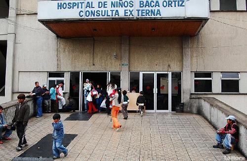 14 médicos especialistas renunciaron al hospital Baca Ortíz