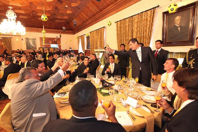 Rafael Correa y Barcelona almuerzan en Carondelet