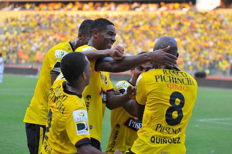 Barcelona golea 5-1 al Táchira y pasa a segunda fase