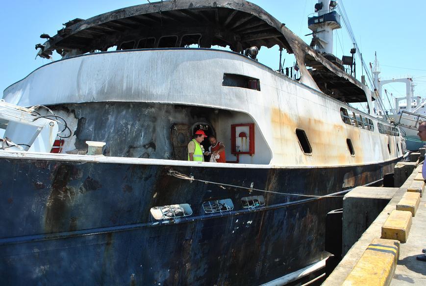Desnudas en barcos foto 636