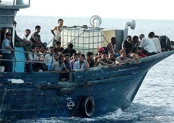 Cinco manabitas sentenciados en El Salvador por tráfico de personas