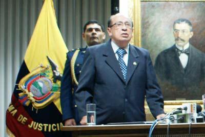 Destituyen al presidente de Judicatura, Benjamín Cevallos