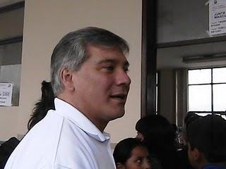 Detienen a periodista Bernardo Abad (actualizada)