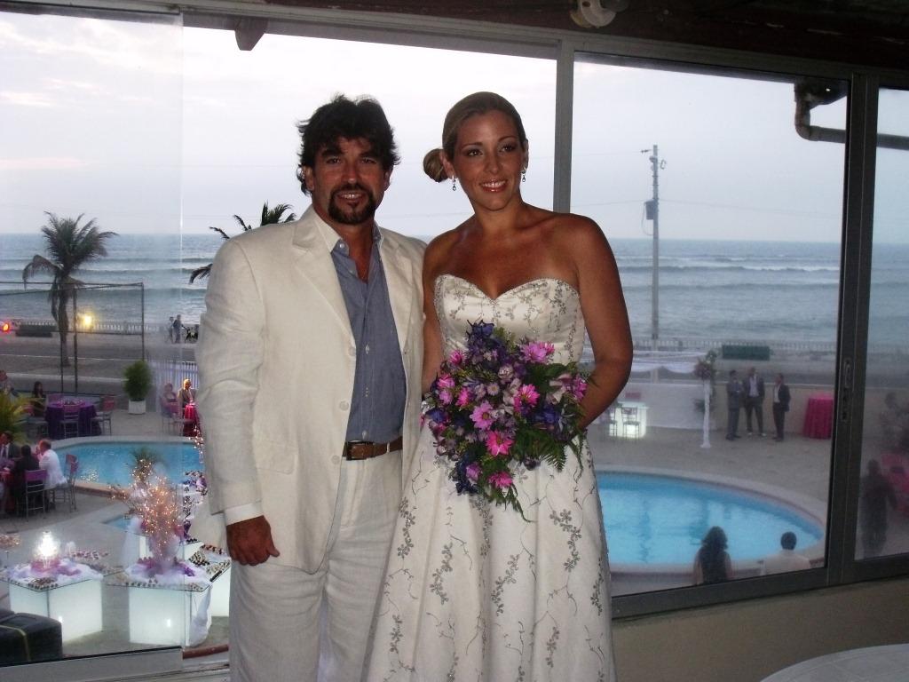 Matrimonio In Ecuador : Carlos vera y maría verónica silva se casaron este sábado