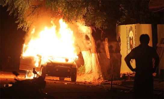 Turba quema vivos a dos brasileños en Bolivia
