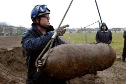 Destruyen once bombas de la II Guerra Mundial