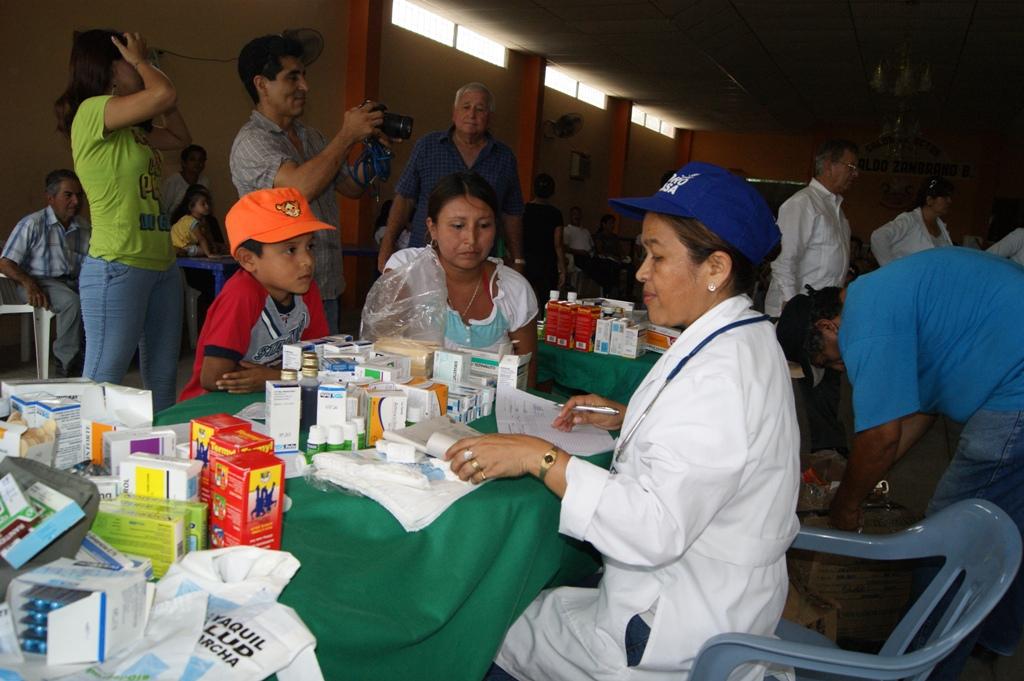 Más de mil pacientes son atendidos en un día en Calceta